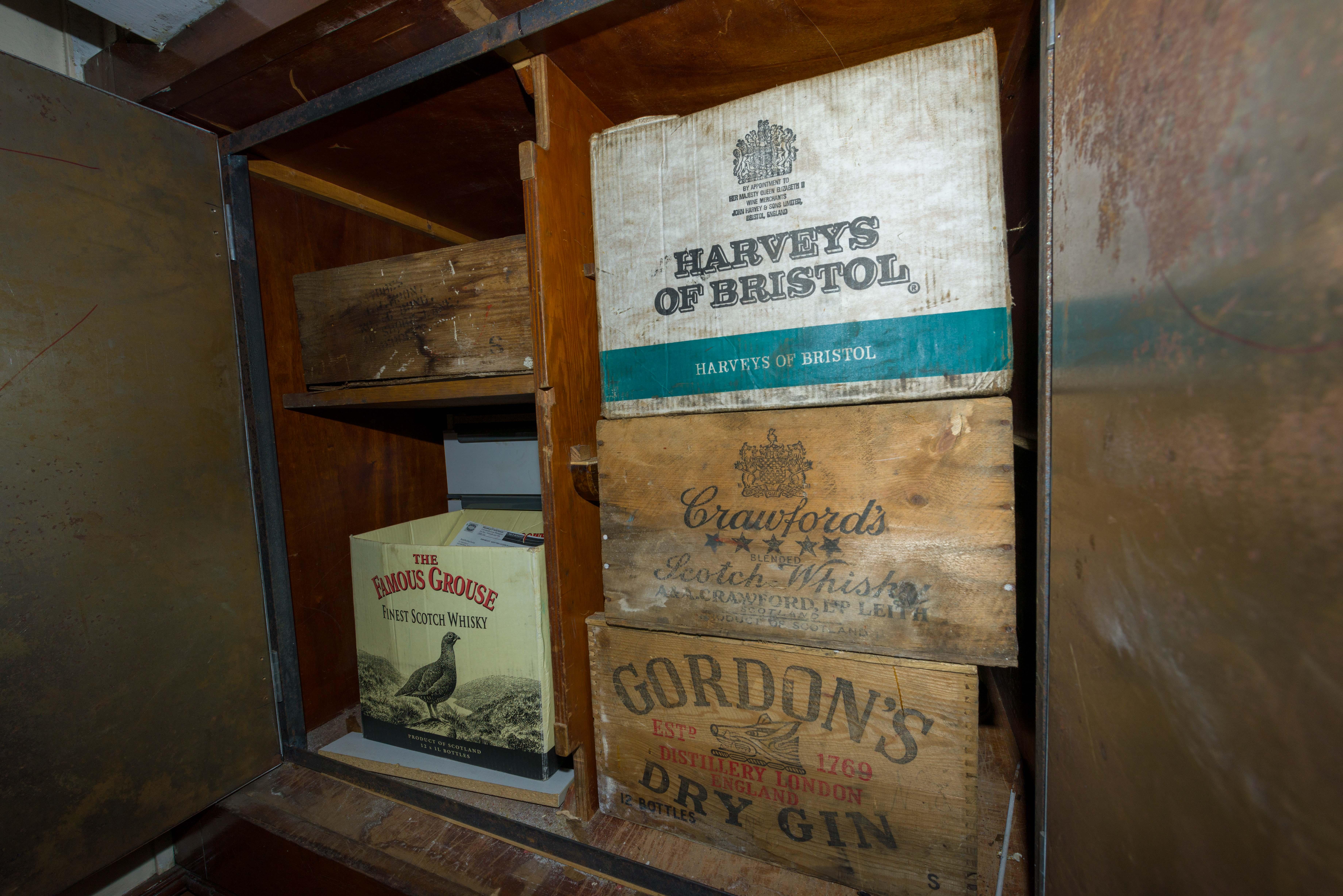 SS Explorer bonded cabin in captain's cabin